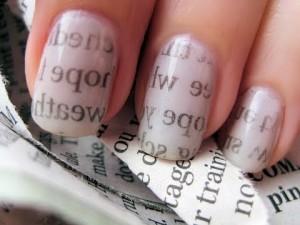 kako lakirati nokte sa novinama