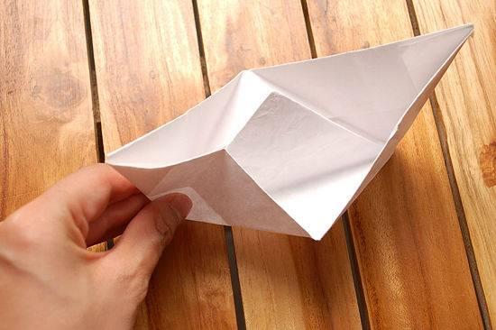 kako se radi brod od papira