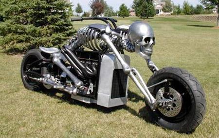 Motocikl u obliku skeleta 1