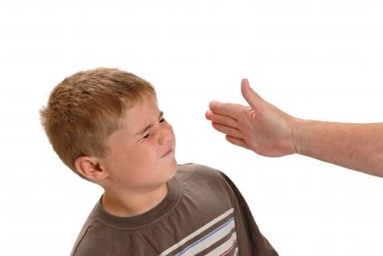 Da li treba tući decu ili je razgovor dovoljan?