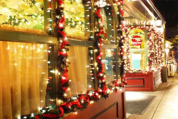 dekoracija izloga za novu godinu