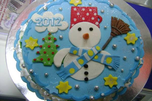 dekoracija novogodisnjih torti