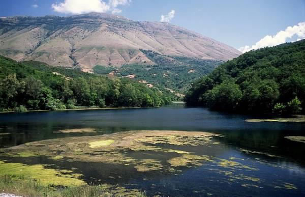 Jezero bez dna u Albaniji