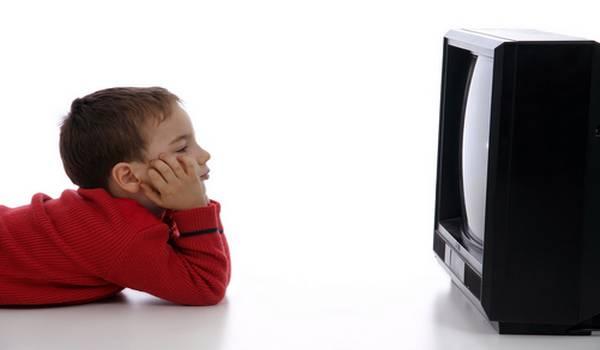 Kako televizija i kompjuter uticu na decu