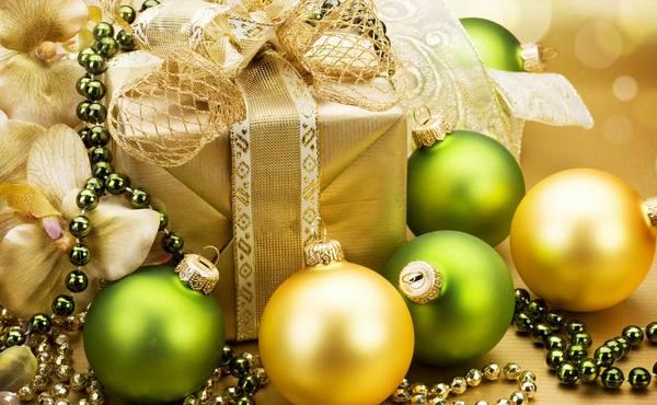 Kako upakovati i ukrasiti poklon za Novu godinu