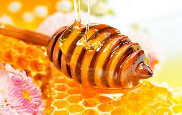 medom protiv bubuljica