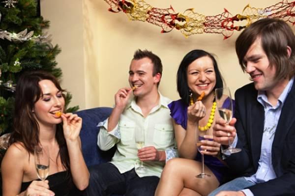 Mnogi ljudi prave novogodišnju žurku kod kuće, u krugu najbližih prijatelja