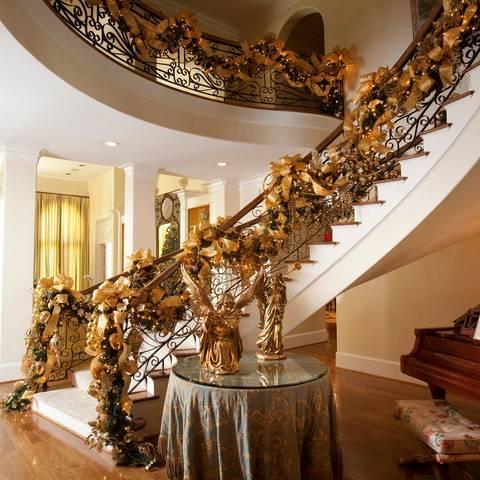 novogodisnje ukrasavanje stepenice