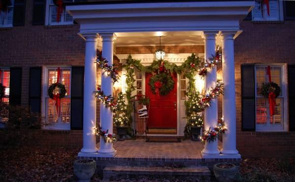 ukrasavanje vrata za novu godinu