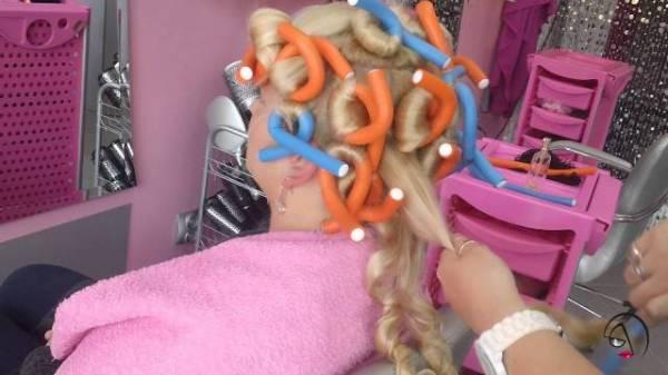 Talase na kosi napravite pomoću sunđerastih štapića