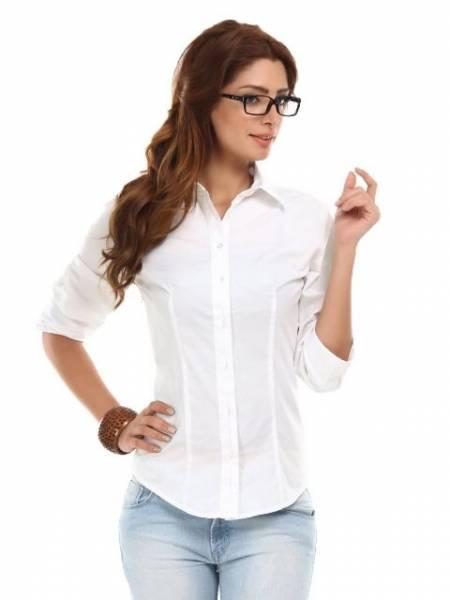 Svaka žena mora imati bar jednu belu košulju u svom oramru