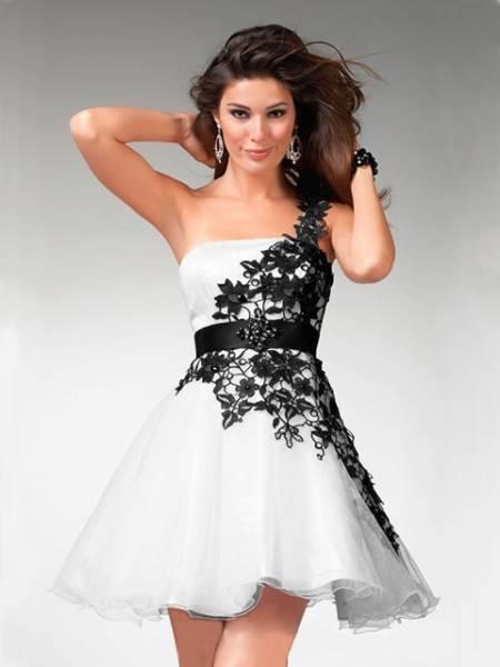 Ove godine imamo veliki izbor haljina za maturu
