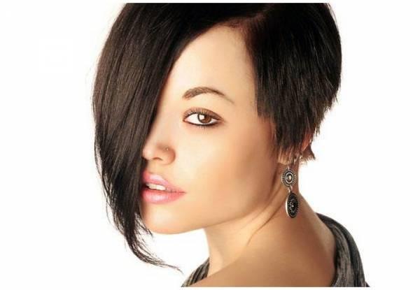 Asimetrična paž frizura