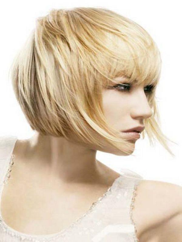bob-frizura-ravna-srednja-kosa-razbarusena