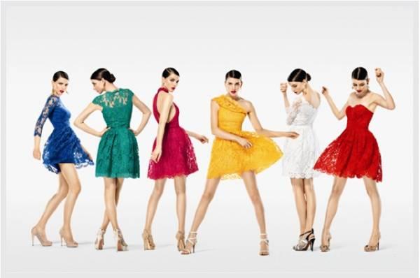Jednobojne čipkaste haljine u jakim bojama