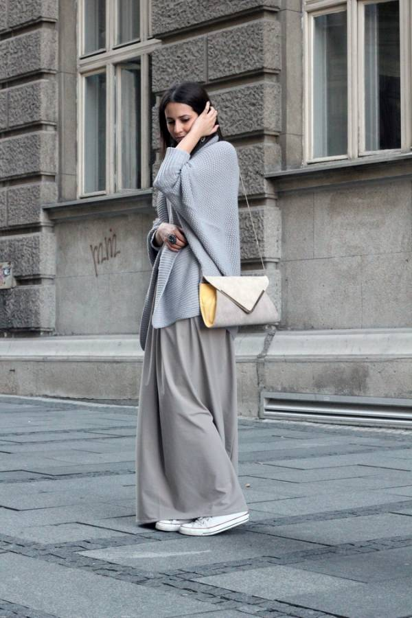 Duga suknja u kombinaciji sa starkama