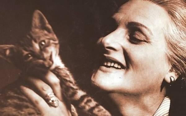 Rahela Ferari ima veoma neobičnu biografiju