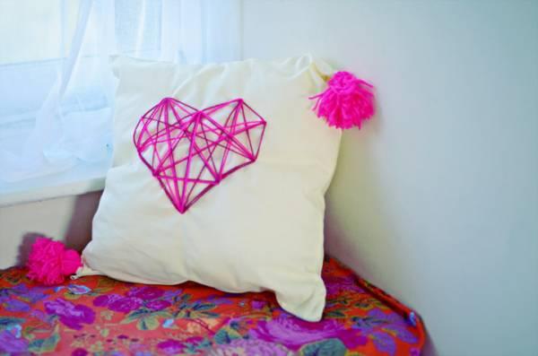 ukrasni-jastuci-sa-aplikacijom