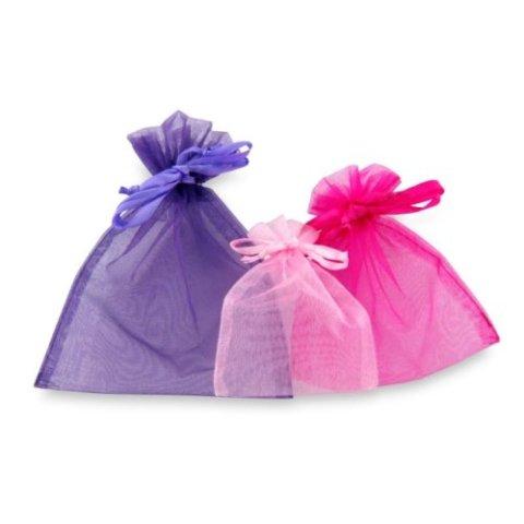 Ako imate višak vremena, sašijte platnene torbice od laganih materijala i u njih spakujte uskršnja jaja koja poklanjate drugima