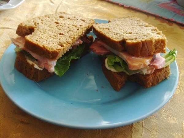 Zašto kupovati sendviče, kad ih možete spremiti kod kuće i uštedeti novac