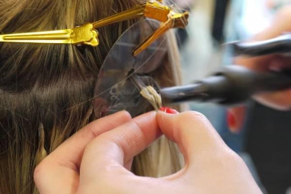 Kako se radi nadogradnja kose keratinom?