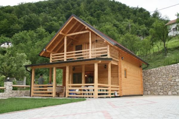 drvena montazna kuca1