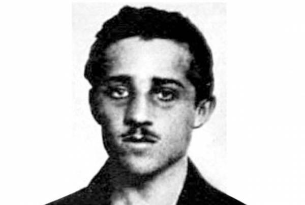 """Kako je Gavrilo Princip živeo pre atentata i kako je postao član ,,Mlade Bosne""""?"""