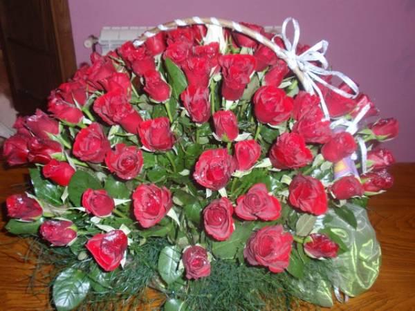 buket crvenih ruža