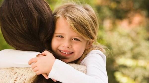 Žena škorpija je brižna majka, posvećena svojoj deci, ali i svome suprugu.