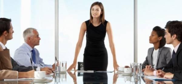Žena škorpija je rođena za direktora i odlično se snalazi na rukovodećim mestima u bilo kom poslu.