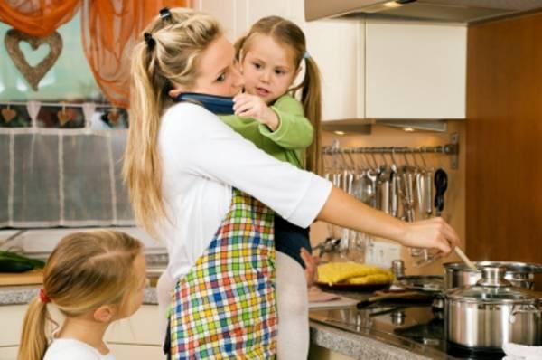 Žena jarac sve stiže, pa i da bude brižna majka