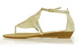 safran-zlatne-sandale