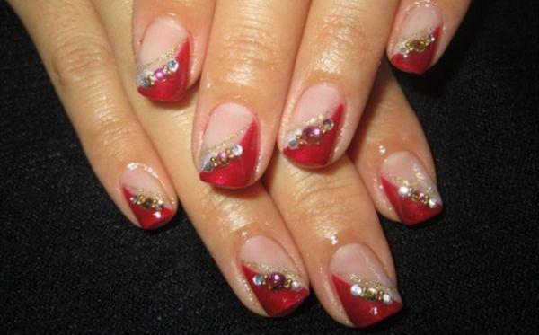 crveni nokti sa cirkonima