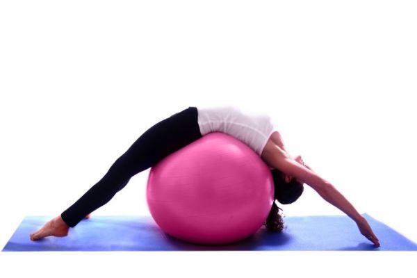 Kako se rade pilates vežbe za uzak struk, bokove, noge, zadnjicu ....?
