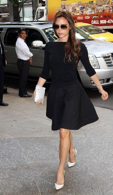crna haljina bele cipele