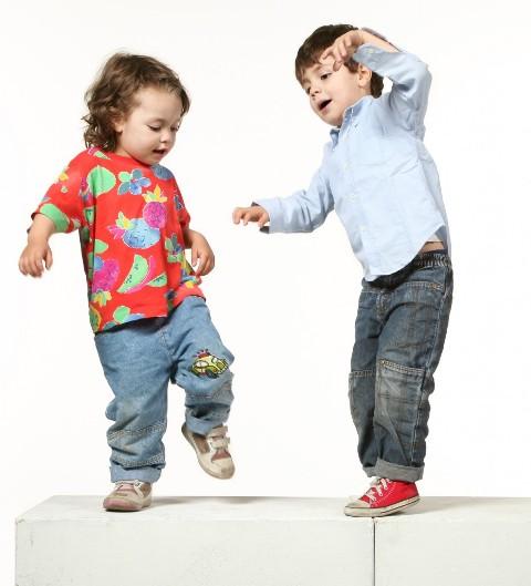 Kako da naučite hoki poki ples?