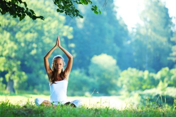 Oslobodite telo tenzije. Opustite vrat i ramena uz jogu.