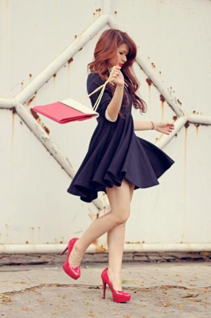 plava haljina i roze cipele