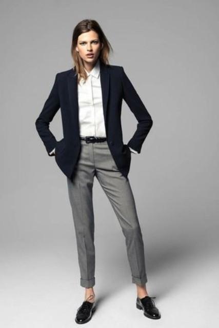 Sive pantalone, idealne za posao.