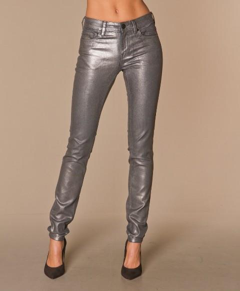Sive pantalone za žurku ili izlazak