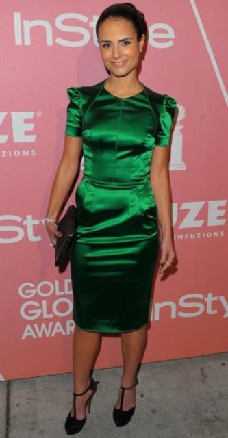 zelena haljina crne cipele