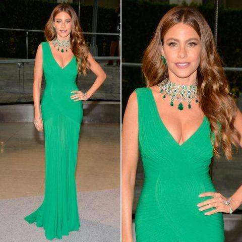 Kakav nakit ide uz zelenu haljinu?