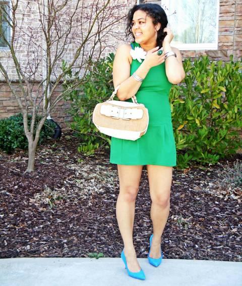 zelena haljina plave cipele