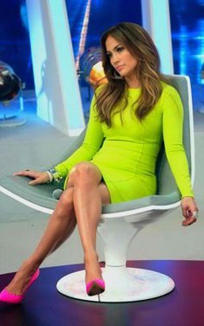 zelena haljina roze cipele