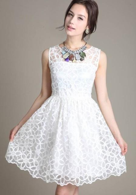 čipkaste haljine bele