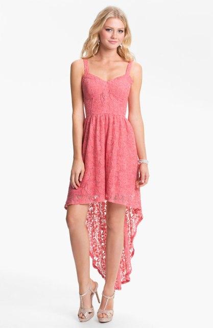 bež i roze čipkane haljine