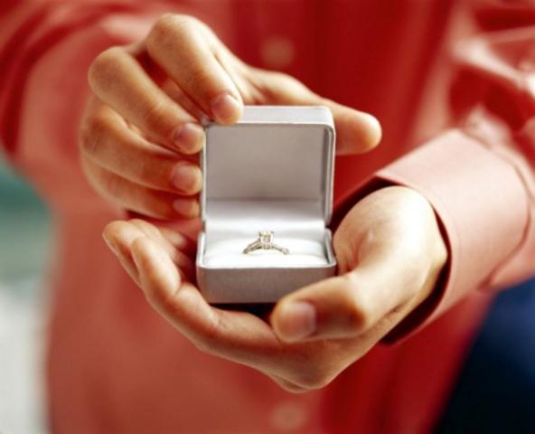 Belo zlato, žuto zlato, sa brilijantima ili dijamantima ... kakav vi priželjkujete?